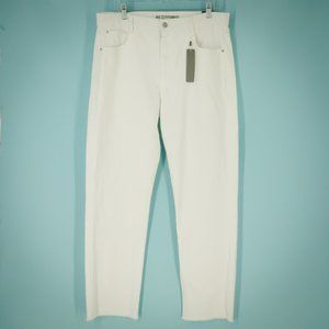 Tractr 2/31 White Raw Hem Jeans NWT